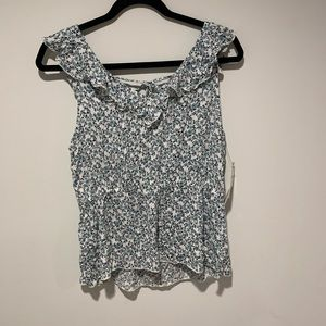 NWT Melrose and Market floral top
